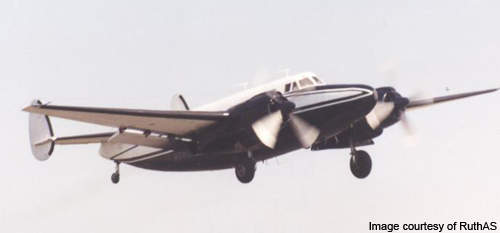 Howard 500 demonstrating at Coventry airport in 2000.