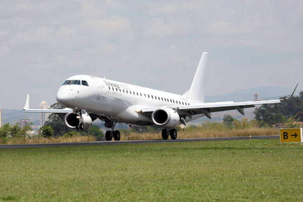 First flight of the Lineage 1000 in October 2007.
