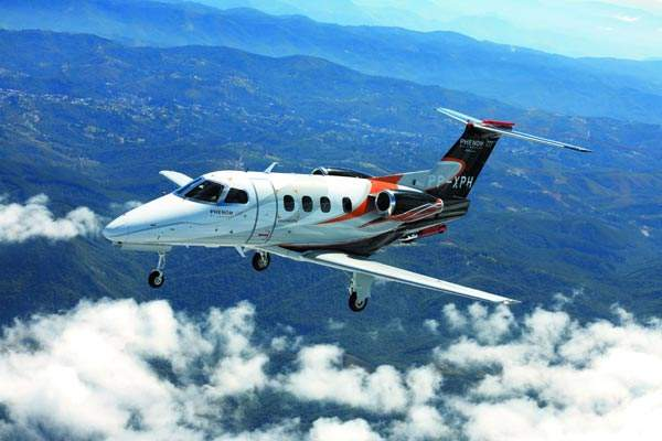 The Embraer Phenom 100 on its maiden flight, 26 July 2007.