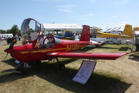 The Vans RV-12 features fixed tricycle type landing gear.