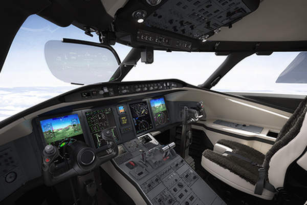 The flight deck of Challenger 650 features a synthetic vision system (SVS) and an advanced avionics suite. Image courtesy of Bombardier.
