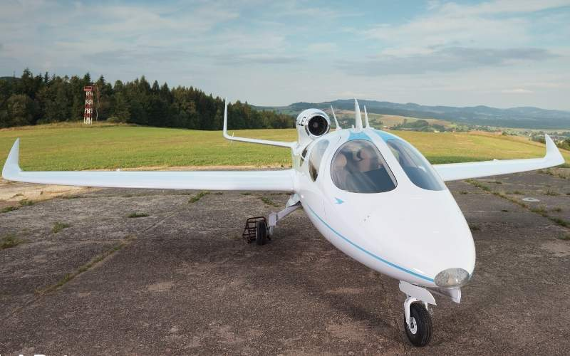 Flaris LAR 1 is a small business jet. Image: courtesy of Flaris LAR 1.