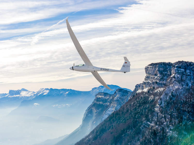 Stemme Twin Voyager S12 is a high-wing, two-seat motor glider. Image: courtesy of Stemme AG (www.stemme.com).