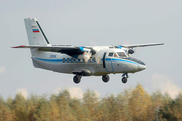 The L-410 / L 420 is a twin-engine short-range aircraft, which can be used for passenger and cargo transportation.