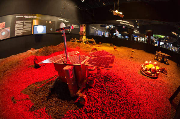 A demonstration of the ExoMars rover and ExoMars Entry, Descent and Landing (EDM). Image courtesy of ESA - M. Pedoussaut.