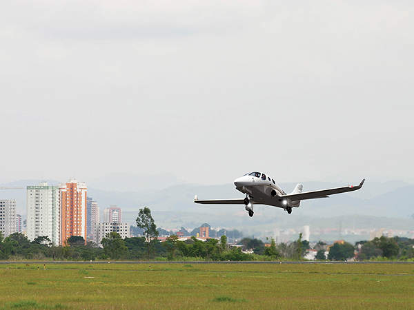 Stratos 714 can take-off from and land on unprepared airstrips and grass runways. Image courtesy of Stratos Aircraft.