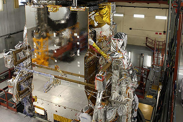 The SES-6 satellite is designed and manufactured by Astrium. Courtesy of: SES - www.ses.com.