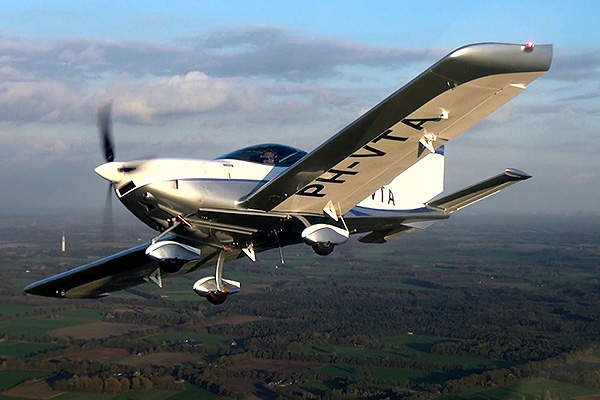 The aircraft is built with full metal body and cantilevered wings. Image courtesy of Czech Sport Aircraft.