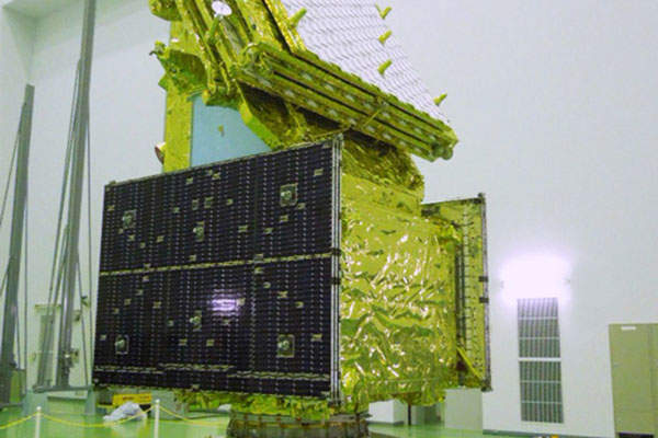 The ALOS-2 satellite is equipped with the advanced Phased Array L-band Synthetic Aperture Radar 2 (PALSAR-2) instrument.