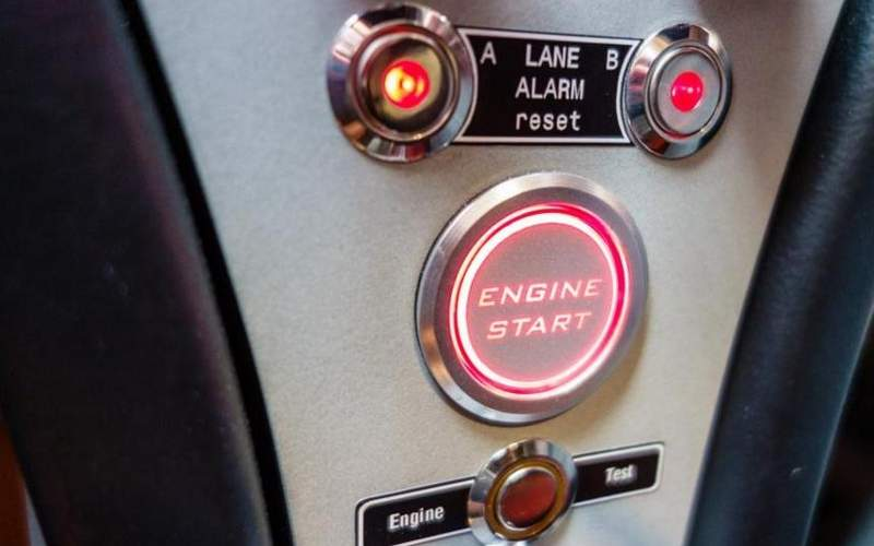 The aircraft features an easy start-up procedure called SMARTstart button. Image: courtesy of REMOS AG.