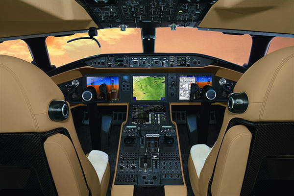 Global 8000 aircraft uses Global Vision flight deck. Image courtesy of Bombardier / BBA Press.