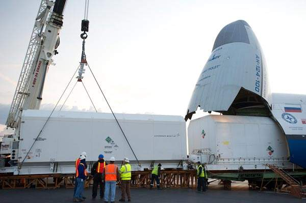 The Vinasat-2 satellite was shipped to the Arianespace launch facility in Kourou, French Guiana, in April 2012.