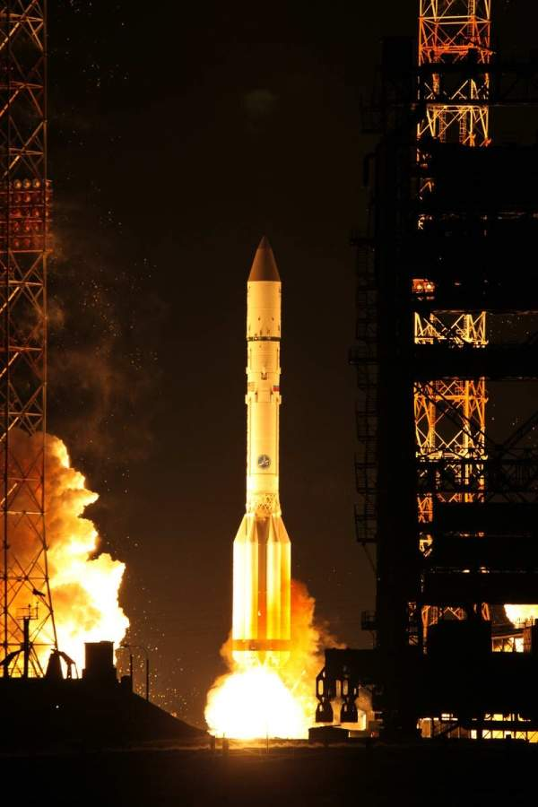AsiaSat 7 lifted off by using a 4-burn ILS Proton Breeze M vehicle from Pad 39 at Baikonur Cosmodrome. Image courtesy of Asia Satellite Telecommunications Company.