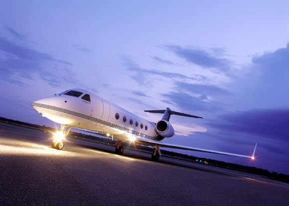The Gulfstream G450 business jet set another new intercontinental city-pair speed record in November 2005, flying 3,290nm from Washington DC to Luton, England, in six hours and twelve minutes, at an average speed of Mach 0.85.