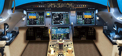 The Dassault / Honeywell EASy cockpit reduces pilot workload, allowing the pilot to concentrate on situational awareness and the successful completion of the flight.
