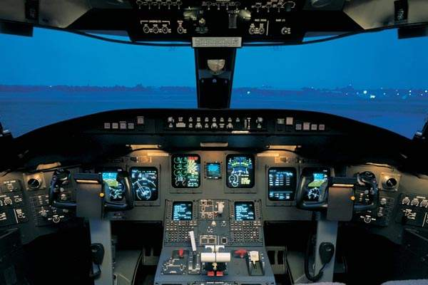 Flight deck of the CRJ1000 is based on Rockwell Collins Pro Line 4 avionics.