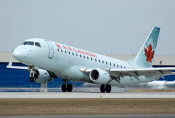 E175 is operated by reputed airliners, such as Air Canada. Image courtesy of Brian.