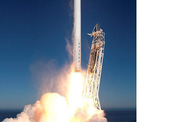 Thaicom 6 was launched from the Cape Canaveral Air Force Station in Florida on 6th January 2014. Image courtesy of Spacex.