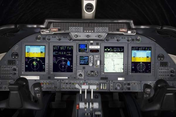 The flight deck of the Learjet 60XR features a Rockwell Collins Pro Line 21 avionics suite. Image courtesy of Bombardier Business Aircraft public relations.
