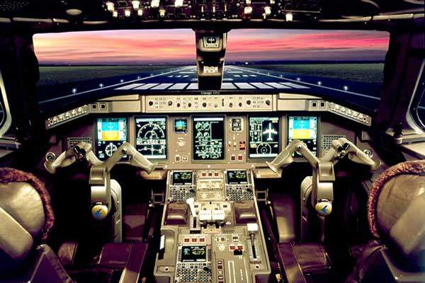 The flight deck of the Lineage 1000 is based on the Honeywell Primus Epic avionics suite.