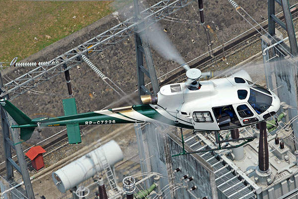 The AS350 B3e helicopter can fly at a maximum altitude of 7,010m. Image courtesy of Anthony Pecchi.