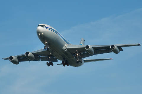 The IL-86 can be used on domestic and international routes.