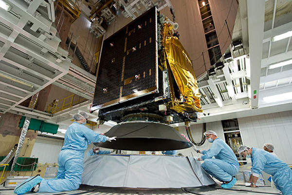 ARSAT-1 was installed on the Ariane 5 launch vehicle at the Spaceport in French Guiana. Image: courtesy of Arianespace.