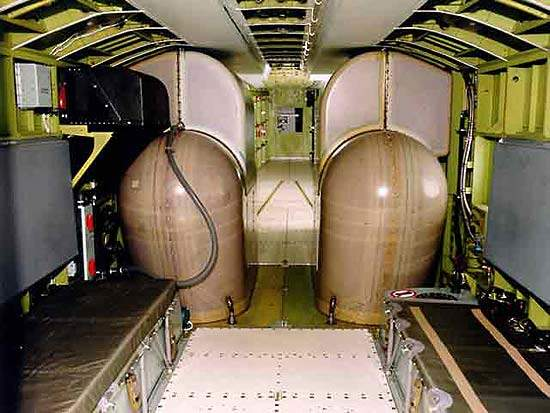 Four water tanks installed in the main fuselage compartment have a capacity of 6,137l.