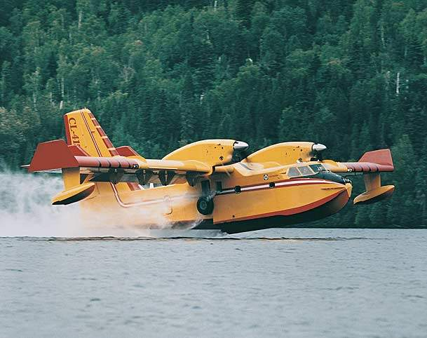 The Canadair 415 is also capable of adaptation to a variety of roles, such as maritime surveillance, search and rescue.