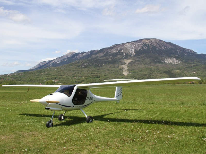 Alpha trainer is equipped with LX instrument suite. Image: courtesy of Pipistrel.