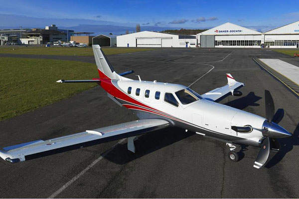 TBM 900 provides comfortable seating for six passengers. Image courtesy of DAHER-SOCATA.