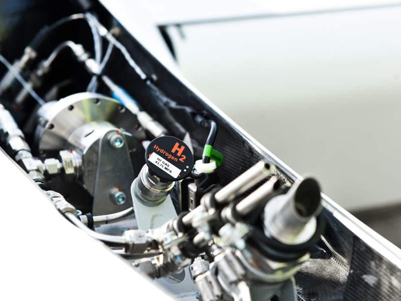 The hydrogen fuel for the aircraft is stored in two carbon-fibre tanks. Image: courtesy of Deutsches Zentrum für Luft- und Raumfahrt (DLR).