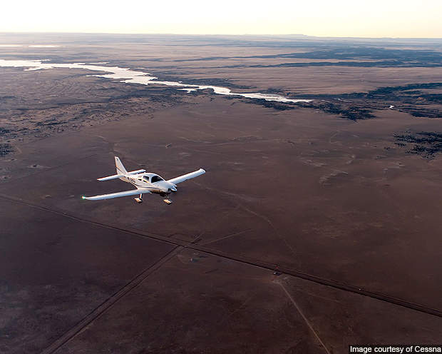 The rate of climb of Cessna Corvalis at sea level is 1,225fpm.