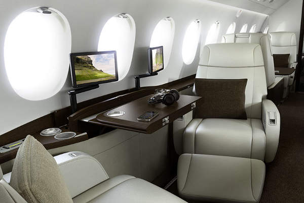 The cabin is equipped with HD+ entertainment system.