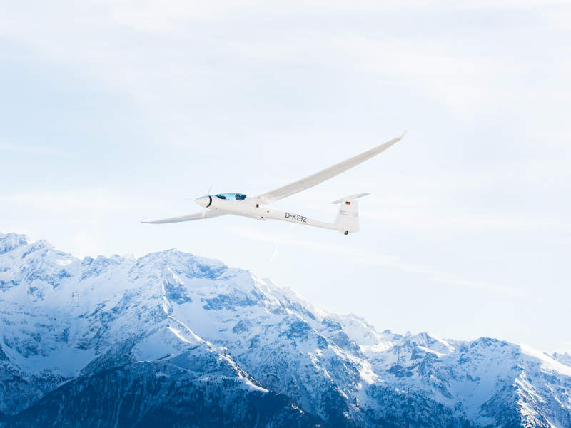 Stemme Twin Voyager S12 has a glide ratio of 1:53. Image: courtesy of Stemme AG (www.stemme.com).
