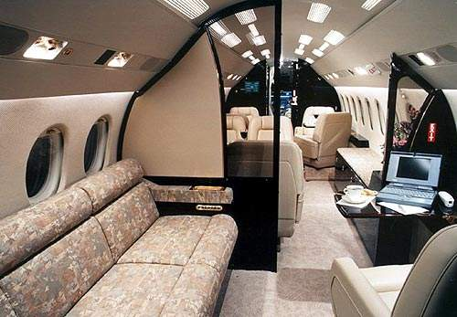 The Falcon 7X cabin is configured in three lounges and can accommodate up to six fully berthable passenger seats.