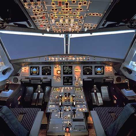 The cockpit of the A320.