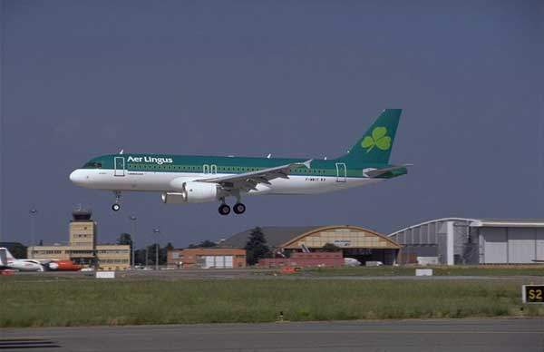 A320 operated by Aer Lingus of Ireland, coming in to land.