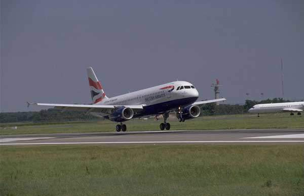 A320 in the livery of British Airways.