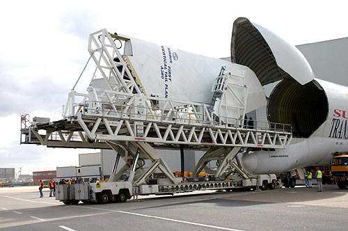 The vertical tail plane for the first A380 aircraft was delivered to the Toulouse final assembly facility by a Beluga Super Transporter.