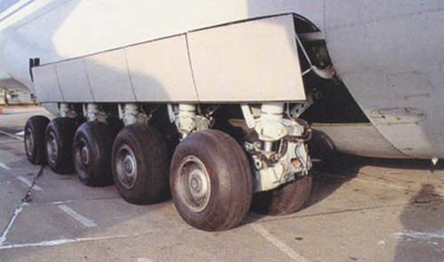 The An-124's heavy-duty multileg landing gear.