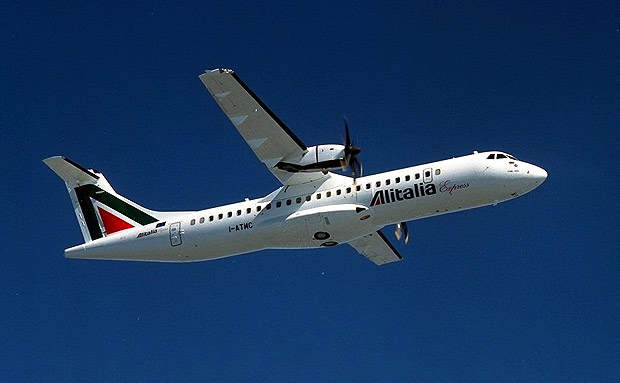 The 500 series aircraft has new engines and propellers, improved hot and high performance, increased payload and an improved passenger cabin. Alitalia Express has six ATR 72-500s.