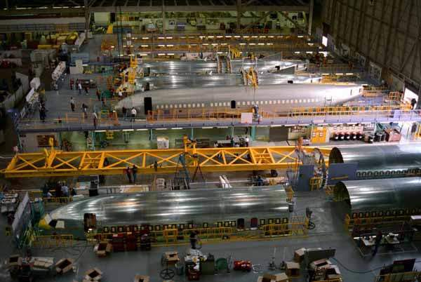 The fuselage assembly of the 737-600.