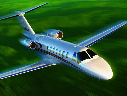 The CJ3 has a more powerful engine, more cabin room, about 10% higher take-off weight and 12% higher cruise speed than the Citation CJ2.