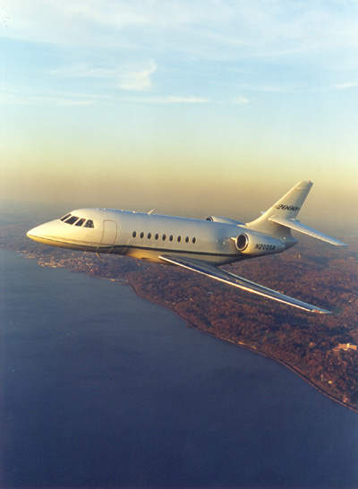 Maximum cruise speed of the Falcon 2000 is 891km/h.