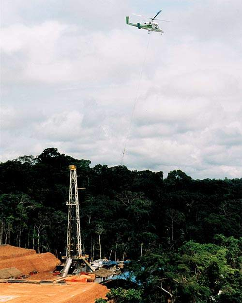 In Bolivia, a Kaman K-MAX helicopter was used to construct a drilling rig and support oil drilling operations.