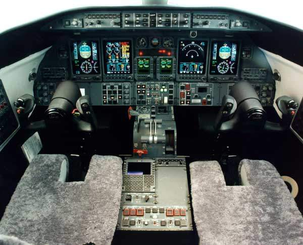 The Learjet 45 is equipped with advanced flight software and architecture to minimise pilot and maintenance workloads.