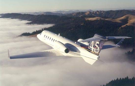 The long-range cruise speed is 778km/h and the maximum operating altitude is 51,000ft (15,545m).