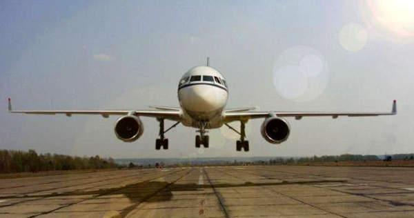 The Tu-214 landing.