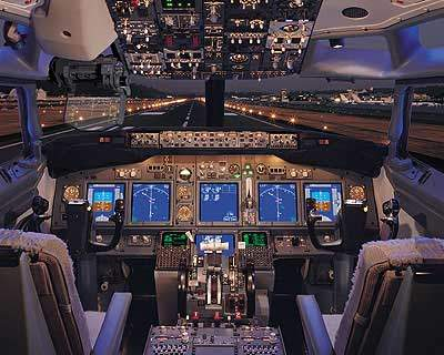 The Boeing business jet flight deck includes leading-edge technology, including a head-up guidance system, integrated dual global positioning system (GPS) and what the maker claims is the most advanced flight management system in the world.
